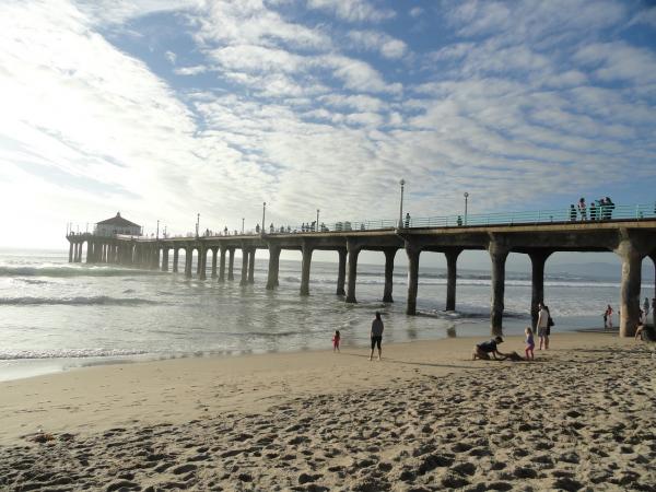 Creative Commons (Jatiga  https://pixabay.com/en/pier-santa-monica-beach-angeles-875668/)